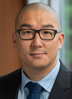 headshot of Francis Hwang